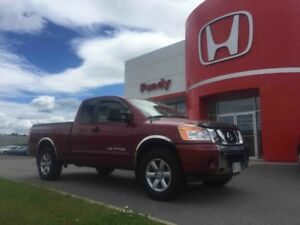 2013 Nissan Titan ONE OWNER , LOCAL TRADE , CLEAN CLEAN VEHICLE