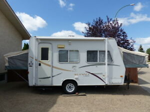 2001 Kiwi 17A Travel Trailer with Pop-Outs for Sale