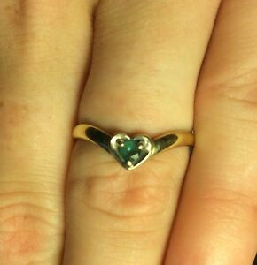 10k emerald ring (size 6)