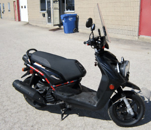 2010 Yamaha BW 125 Scooter Certified read to go Trunk Trade