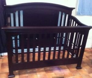 4 in 1 crib *mattress available if needed*