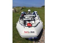Honwave T32-IE2 Johnson 15hp electric start on Rapide Launch Trolley.REDUCED TO SELL