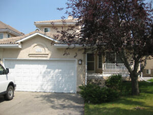 McKenzie house with lake access, AC, central vacuum and more!