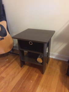 Small Coffee Table/End Table/Kids-room table