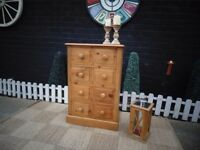 SOLID PINE FARMHOUSE DOVETAIL CHEST OF DRAWERS WITH 8 DRAWERS VERY SOLID AND IN EXCELLENT CONDITION