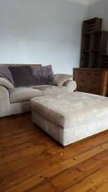 Beautiful 2 seater with huge poofy