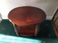 round coffee table in excellent condition, like brand new will deliver locally