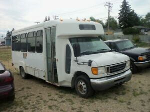 2005 Ford F-450 XLT 6.0 L deisel Ex City Bus