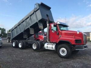 2008 International 5600 Paystar Tri axle dump