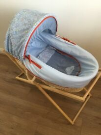 Mothercare Moses basket and wood stand in very good condition