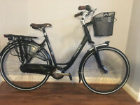 Ladies Mens Dutch bike witch basket Gazelle