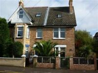 SPACIOUS & MODERN UNFUNRISHED 3 BEDROOM SEMI DETACHED HOUSE WITH PARKING IN LILLIPUT
