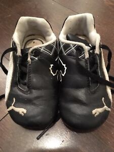 Size 5 Puma Sneakers