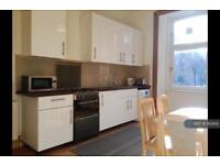3 bedroom flat in Great Western Road, Glasgow, G4 (3 bed)