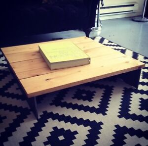 Table d'appoint style industriel