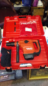 TE 50-AVR NEW Powerful yet light SDS-max combihammer for drillin