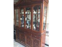 Solid wood display cabinet