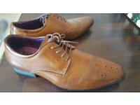Mens size 8 smart tan leather laceup
