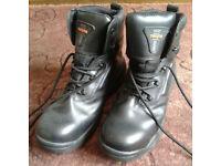 Mens size 8 Trojan work boots steel toe cap
