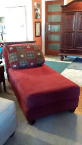 ***Beautiful Maroon (burgundy) chaise lounge - settee***-stage