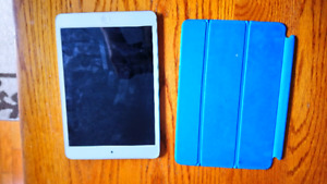 Ipad mini en excellente condition 16gb
