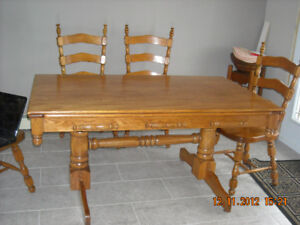 Oak table chairs and hutch