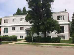 2 Bedroom       Westend        $400 s/deposit   1 Month Free