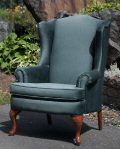 Bergère, fauteuil, chaise, wing chair, wing back chair
