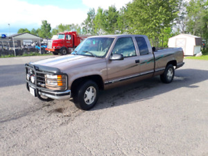 1996 GMC C1500 SLE  -  *NEEDS ENGINE WORK*