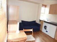 Studio flat in Willesden Lane, Kilburn, NW6