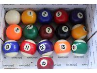 pool/snooker cues, sets of balls etc