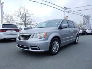 2016 Chrysler TOWN & COUNTRY LEATHER POWER DOORS DUAL DVD!!!!!!