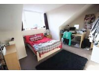 ++Huge Double/Twin + Privat Balcony in Manor House ! Renting ASAP !