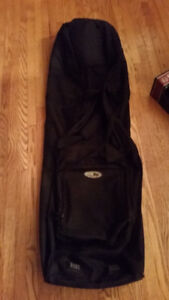 Junior snowboard bag with wheels