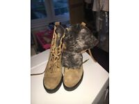 Woman's Tan suede fur lined boots Size 4