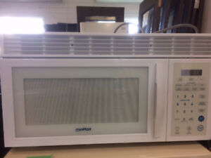 Built In Microwave - Almost New.  MOFFAT