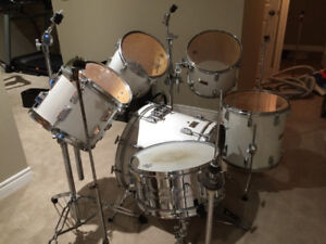 Pearl World Series drums for sale.