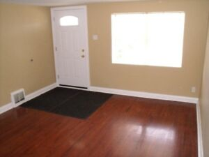 THOROLD 5 BED STUDENT HOME DIRECT BUS TO BROCK ACROSS THE STREET