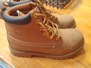 youth size 4.5 Gila work boots