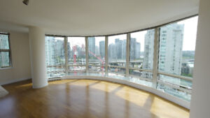 Beautiful 2 bedroom and 2 bath close to seawall (1500 Hornby)