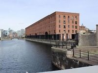 Wapping Quays L3 - Luxury two bed furnished apartment to let in gated development, including parking