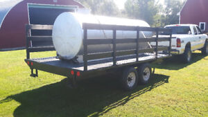 Tandem trailer with 1000 gallon water tank