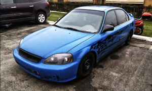 Lowered, 1999 Honda Civic. (Motor is out)