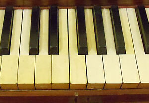 LOOKING FOR OLD PIANO KEYS