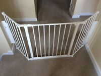Reduced ...£26 Baby can configure stairgate extra wide