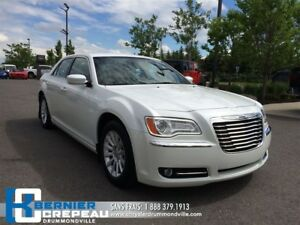 2012 Chrysler 300 Touring **BLUETOOTH+A/C+PRISE USB/AUX+WOW!