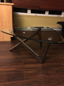 Table neuf (Brault martineau 450 $)