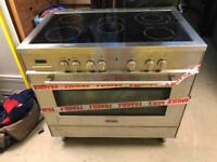Delonghi Electric Range Cooker (DSC95E)