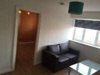 1 Bedroom Modern Flat Private Landlord Wifi Included Avaliable NOW