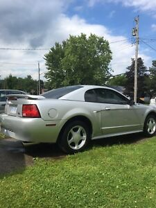 3.8L V6  Ford Mustang